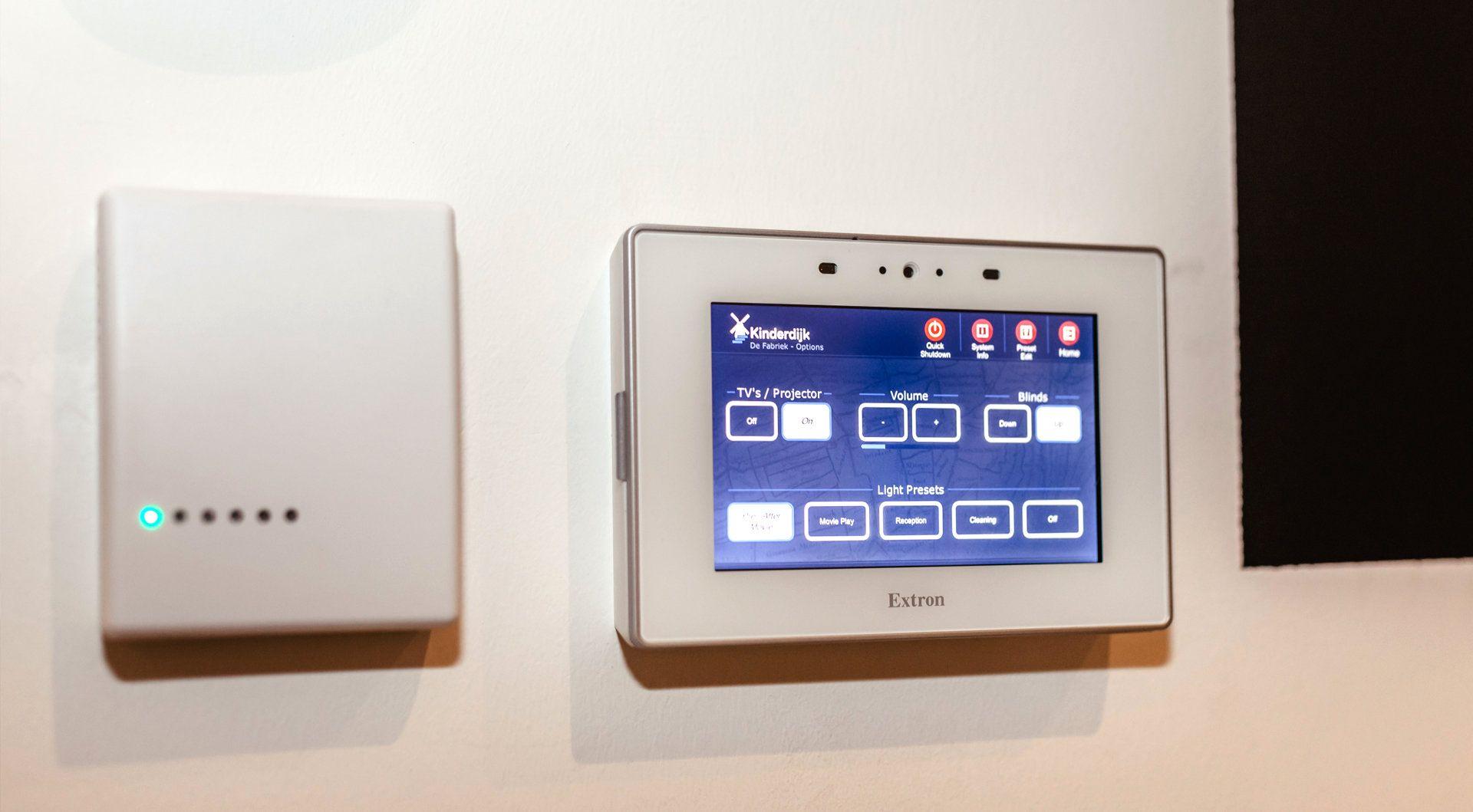 Extron FOXBOX Rx DVI Plus MM AV-receiver Grijs - Case studie Kinderdijk - Bediening